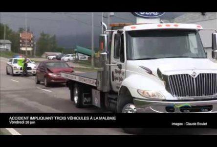 Trois véhicules impliqués dans une collision