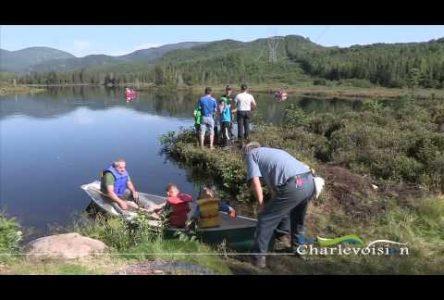 Des jeunes initiés à la pêche