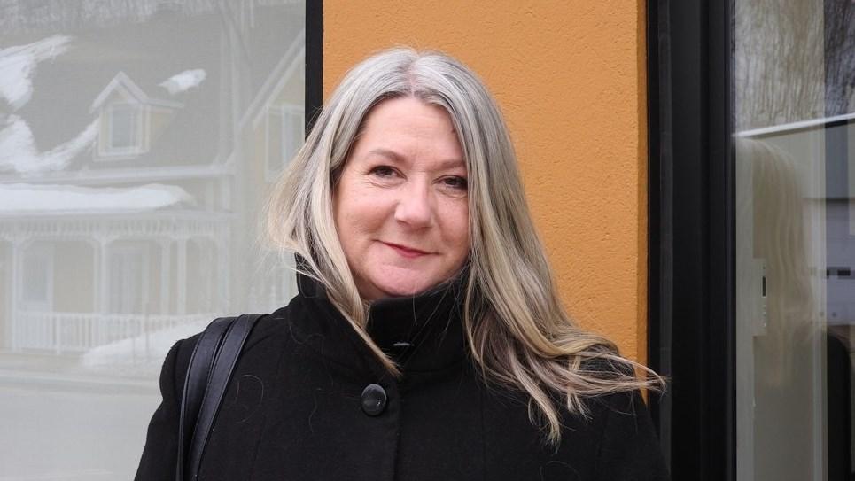 Lise Lapointe en réflexion