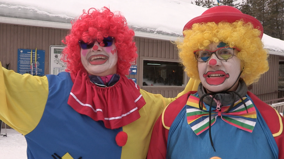 De joyeux clowns aux Sources Joyeuses !