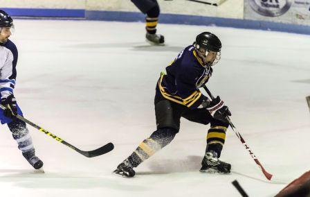 Le Hyundai JR Thibeault en finale de la ligue de hockey Molson Canadian