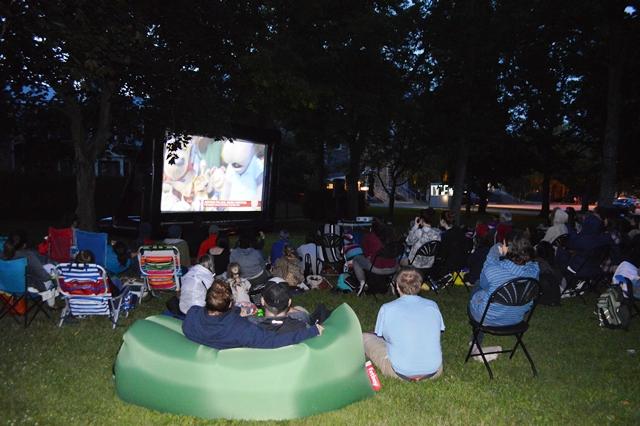 Chouette sortie: Le cinéma en plein air et en famille