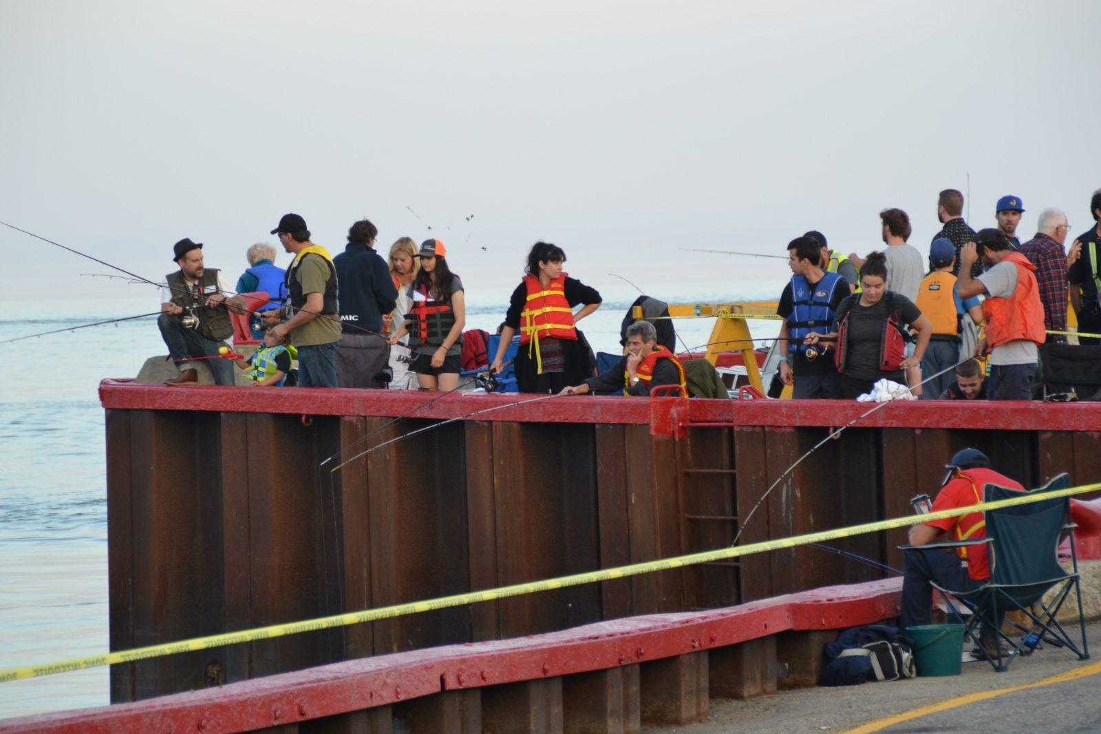 Taquiner l'éperlan  au tournoi de pêche de Saint-Joseph-de-la-Rive