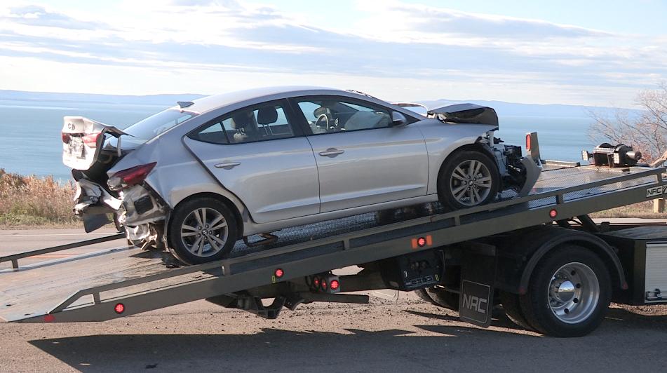 Trois voitures impliquées dans une collision à Cap-à l'Aigle (vidéo)