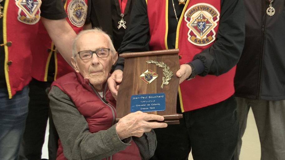 Âgé de 102 ans et 75 ans membre des Chevaliers de Colomb