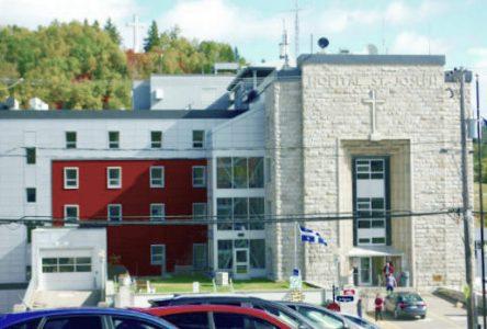 Hôpital de La Malbaie : le maire Couturier s'impatiente