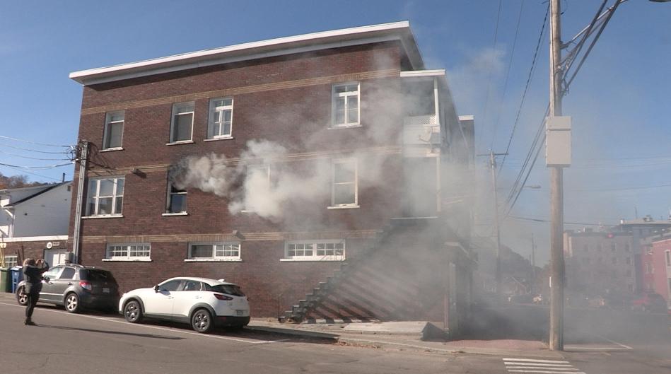 Un incendie se déclare dans un immeuble à trois étages à La Malbaie