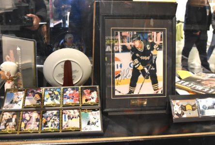 Le Carrefour culturel Paul-Médéric présente l'exposition La fibre du hockey