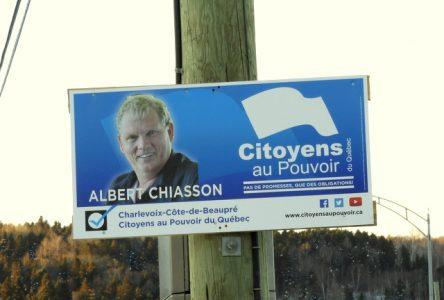 Quelques pancartes électorales d'Albert Chiasson toujours en place
