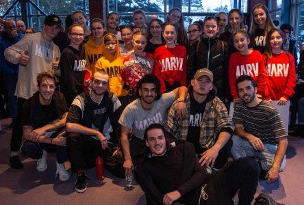 Des jeunes de Charlevoix dansent avec MARVL