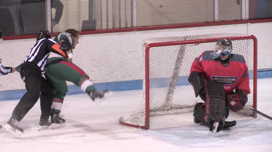 Hockey senior : Charlevoix s'incline 7-5 face à Dolbeau-Mistassini