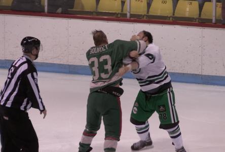 Hockey senior : dure fin de saison régulière pour les Éclairs