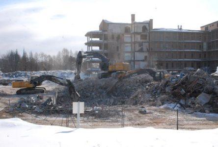 Déconstruction de l'Hôpital de Baie-Saint-Paul : on maintient le cap pour l'été