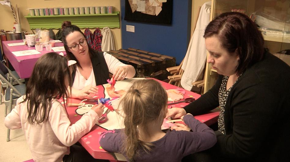 Relâche : le Musée de Charlevoix propose des ateliers pour les enfants (vidéo)