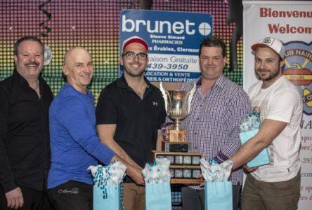 Curling : le skip de Réjean Simard remporte le tournoi Pharmacie Steeve Simard