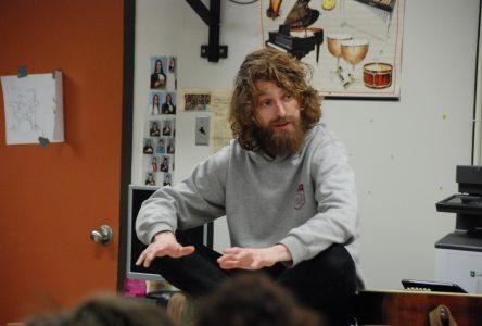 «Festif! à l'école » : Philippe Brach généreux à Saint-Aubin