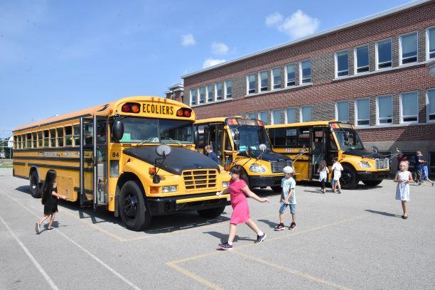 Pas de centres de services scolaires avant octobre