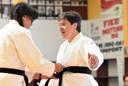 Caroline Filion de Baie-Saint-Paul, première ceinture noire de judo trisomique au Canada