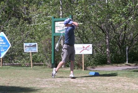 Tournoi de golf : 112 golfeurs donnent un élan pour le RISC (vidéo)