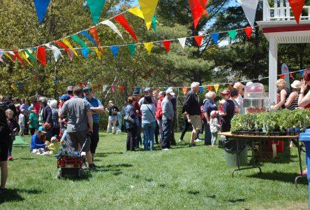 La Fête au Village des Éboulements attire plus de 300 personnes