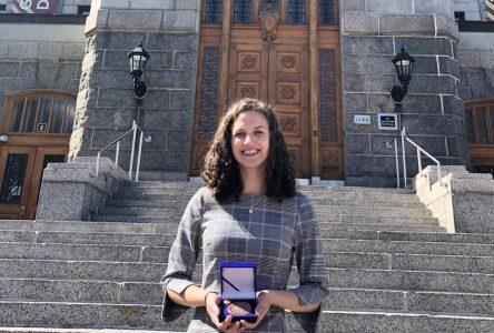 Marjorie Tremblay reçoit la médaille du Lieutenant Gouverneur