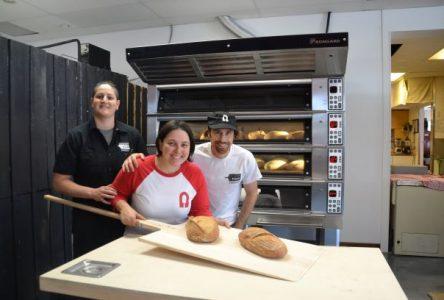 Du pain frais cuit devant vous à la Boulangerie À Chacun son pain