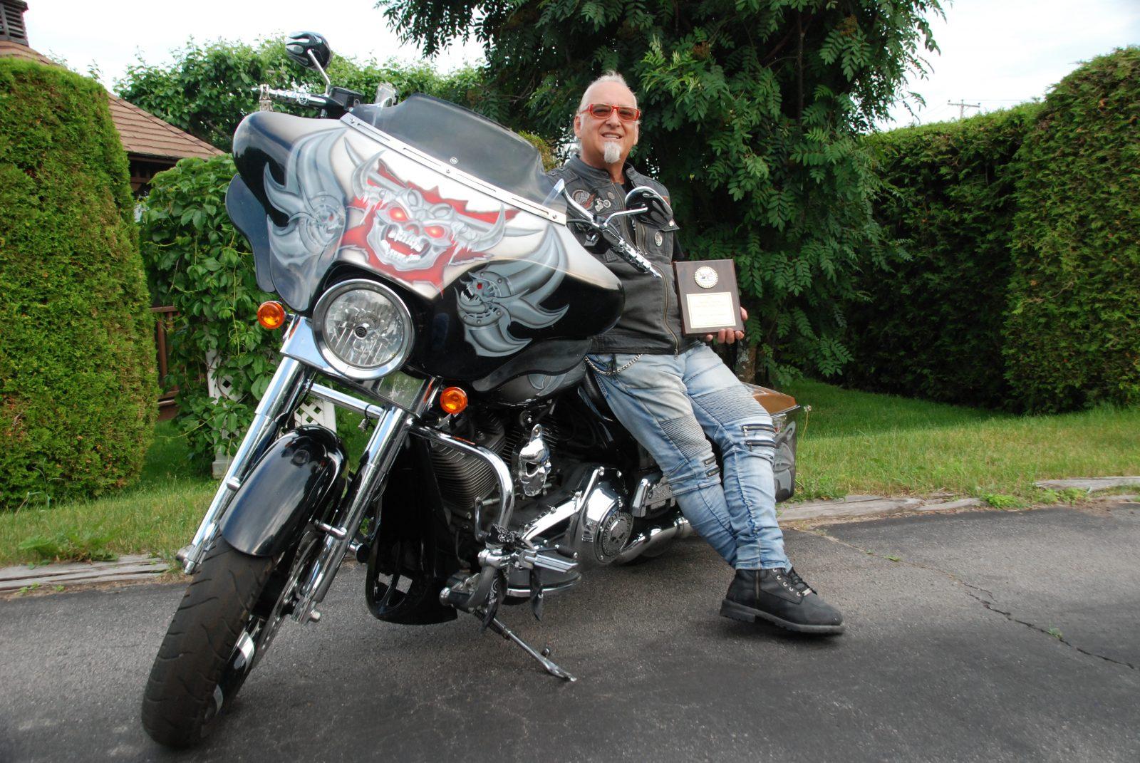 La moto de Raymond Bouchard brille chez l'Oncle Sam
