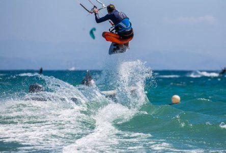 Compétition de sauts de kitesurf à L'Isle-aux-Coudres