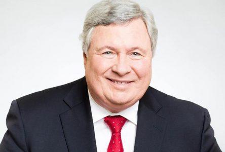 Aide humanitaire:  «les conservateurs nous transporteront 55 ans en arrière», dit Raymond Bernier