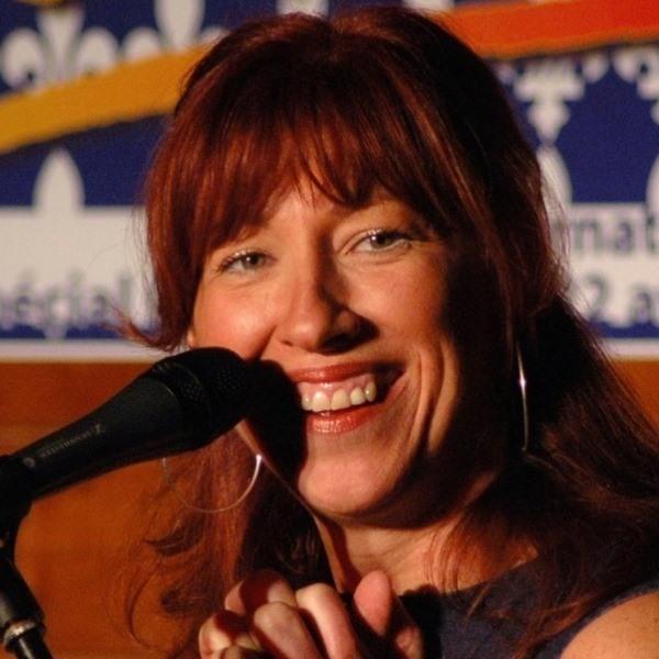 Caroline Desbiens chante pour Yves-François Blanchet