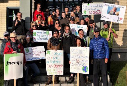 Les enseignants du CECC appuient le mouvement La planète en grève