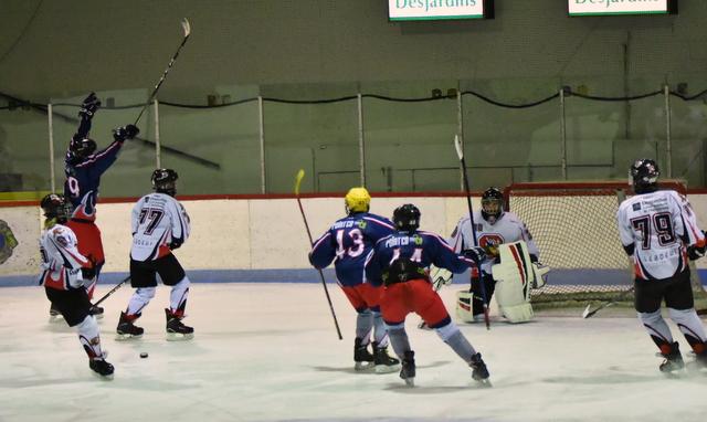 Un bon début pour nos équipes double lettre en hockey mineur