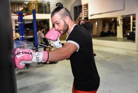 Sébastien Bouchard prend des risques en affrontant Ayaz Hussain