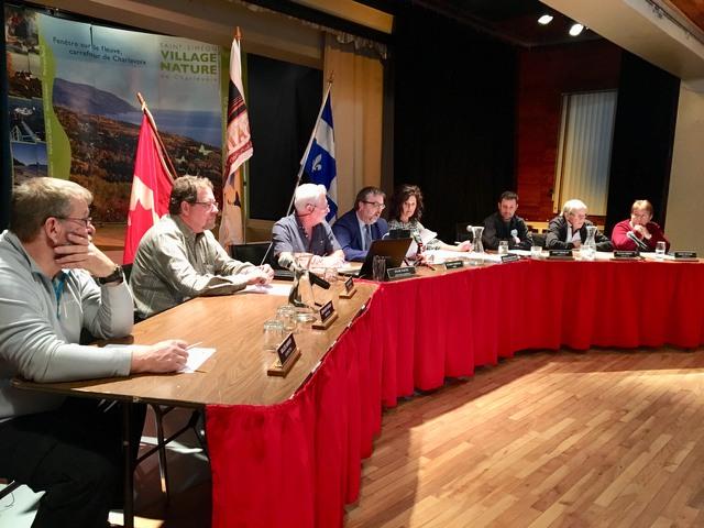 Saint-Siméon vote une résolution en appui au pont sur la rivière Saguenay