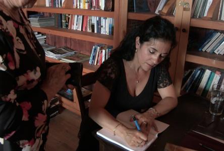 Patricia Charest s'en va au Salon du Livre de Montréal