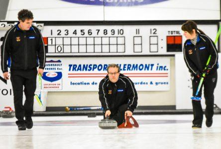 Challenge Casino de curling: Bernard Auchu passe en demi-finale