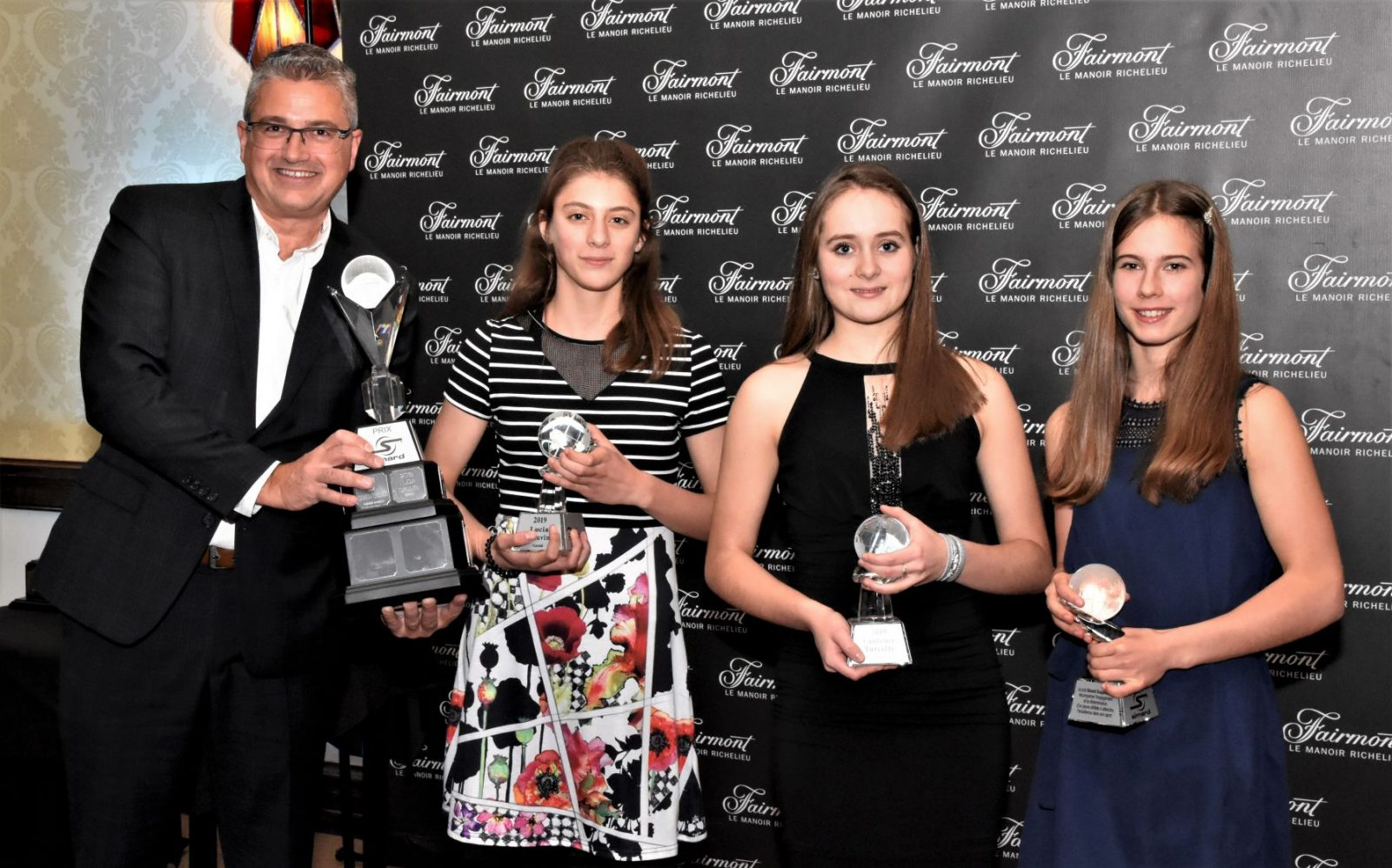 Lucia Gauvin, Rose Savard-Ferguson et Laurence Turcotte reçoivent la bourse Simard Suspensions