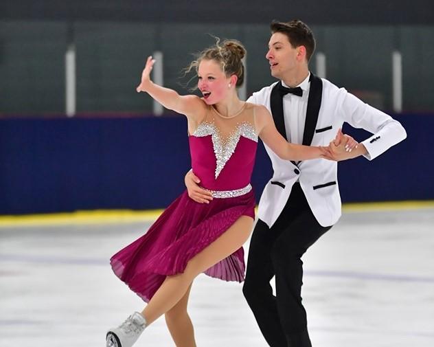 Patinage artistique: Olivia Tremblay et Émile Couture iront aux championnats canadiens