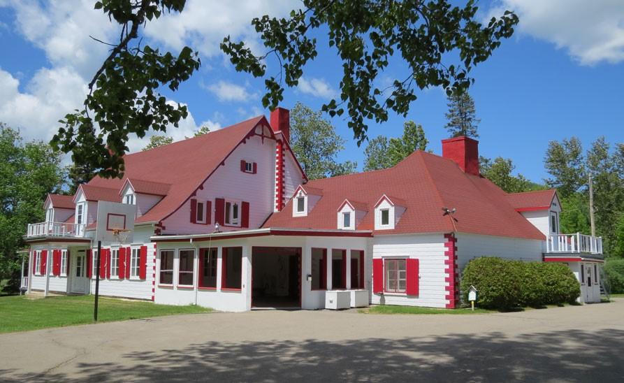 Des bâtiments du Camp Le Manoir seront rénovés
