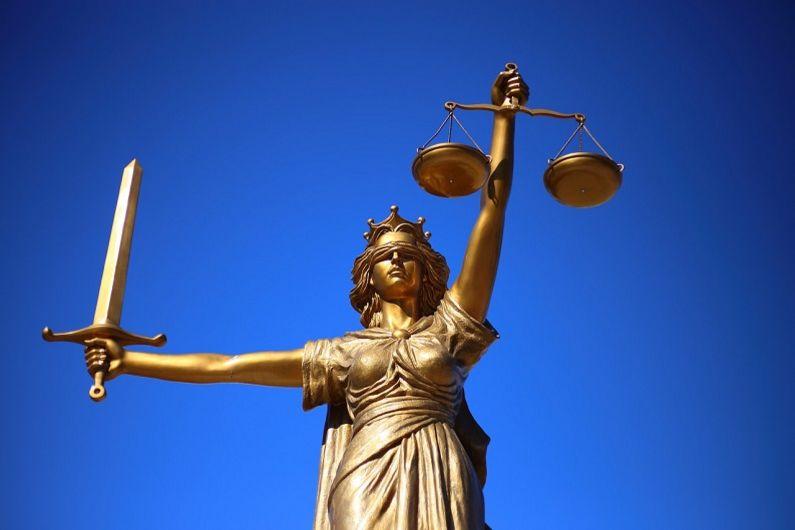 Justice, déviance et humanité