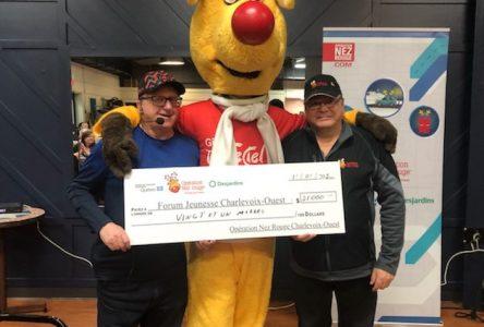 Opération Nez rouge de Charlevoix-Ouest remet 21 000 $ à Forum Jeunesse