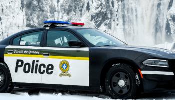 La Sûreté du Québec avertit des motoneigistes au Fief du Massif