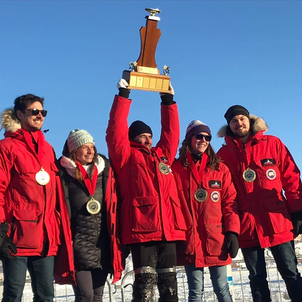 Un canot à glace de Charlevoix remporte l'or au Carnaval de Québec