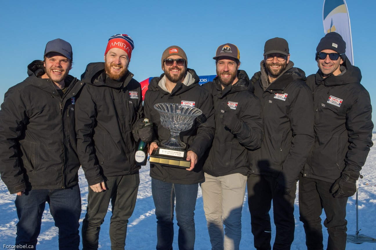 L'Équipe de canot à glace Amiral / Pharmacie Marie-Pier Labbé inc encore championne