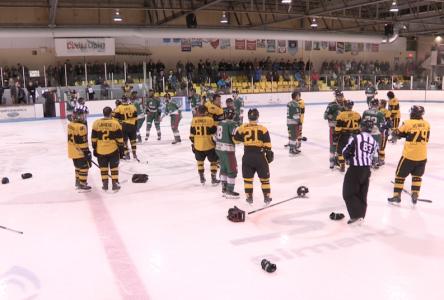 (vidéo) Match des Éclairs : affrontement au hockey et aux poings !