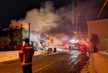 (Mis à Jour)Incendie de Clermont: quatre hommes ont pu sortir de la résidence à temps