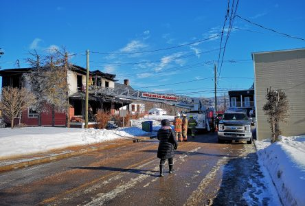 L'enquête de la SQ continue afin de trouver les victimes de l'incendie de Clermont
