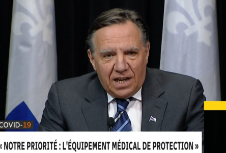 COVID-19 : Legault veut une meilleure répartition des équipements médicaux