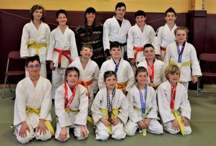 Une douzaine de podiums à Beauport pour le club de judo Sakura