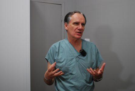 (Photos) Une clinique «cinq étoiles» pour protéger le personnel de soin de Charlevoix